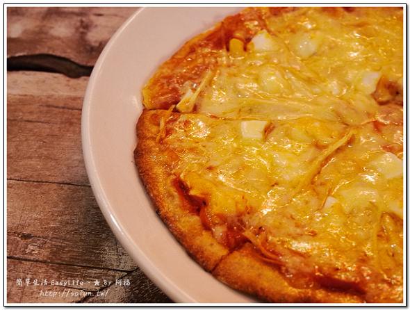 [食記] 台北西門町美食。So Free Pizza 柴燒窯烤比薩 (素食可用)