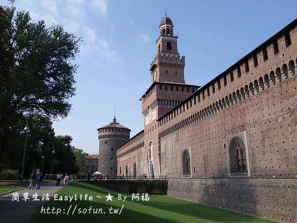 [旅行] 義大利米蘭景點 – 史豐哲要塞 (Castello Sforzesco)@遠離送幸運手環黑人