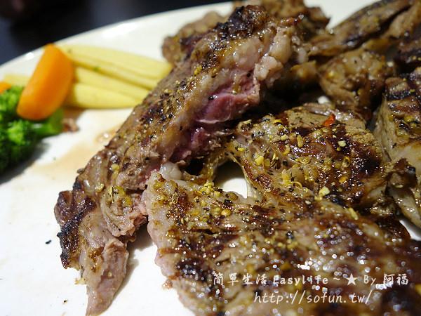 [中和美食] 小惡魔炭燒牛排@肉片大塊厚實,近捷運永安市場站