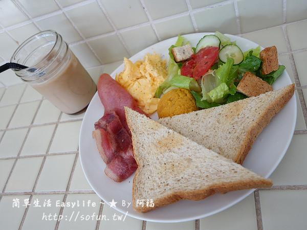 [食記] 台北捷運雙連站。公雞咖啡 Rooster Cafe @復古老宅早餐