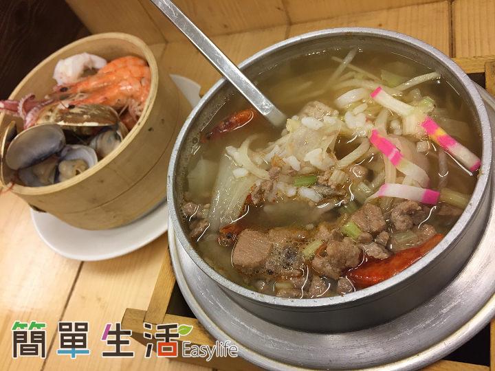 [台南海安路美食] 小二月飯湯 – 蒸籠/鐵鍋裝海鮮與豬牛肉品@呈現食材原味小吃